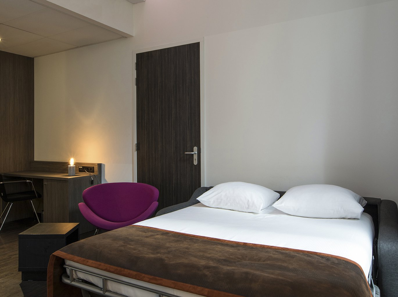EH - THE MANOR HOTEL AMSTERDAM - JUNIOR SUITE - 4_WEB.jpg