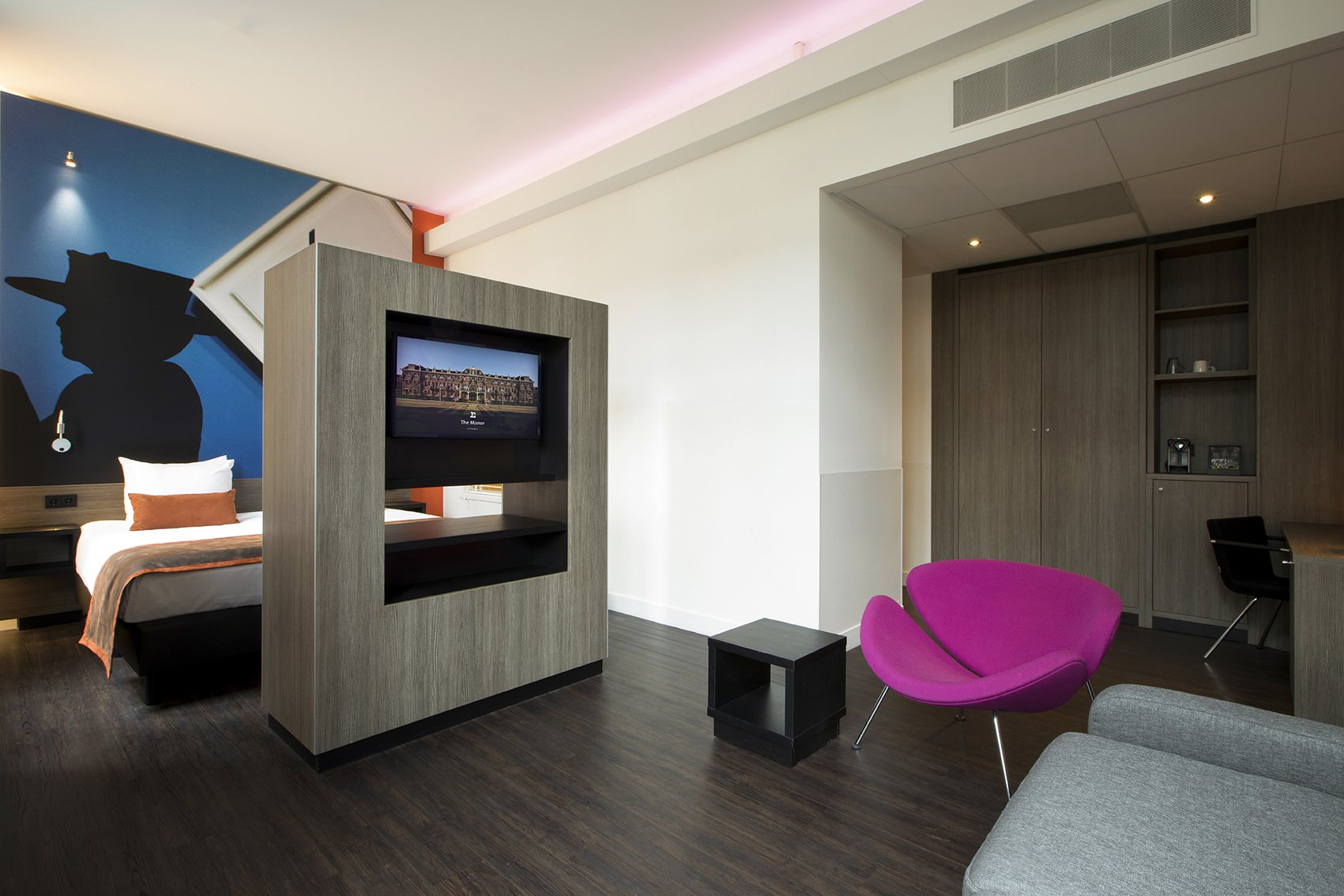 EH - THE MANOR HOTEL AMSTERDAM - JUNIOR SUITE - 1_WEB.jpg